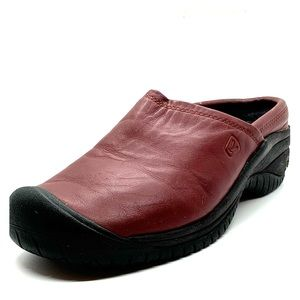 Keen Burgundy Leather slip-resistant clogs